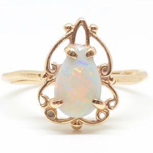 14k Yellow Gold Genuine Vintage Opal Ring